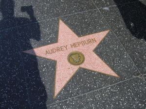 800px-Audrey_Hepburn_Hollywood_Star