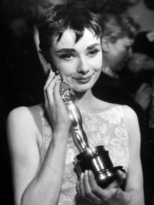 Audrey-at-the-Oscars-audrey-hepburn-5201956-1300-1727